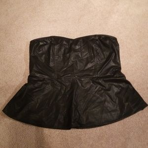 Strapless faux leather shirt